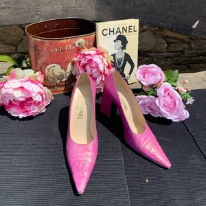 Paris Runway Chanel Magenta Heels Size 8